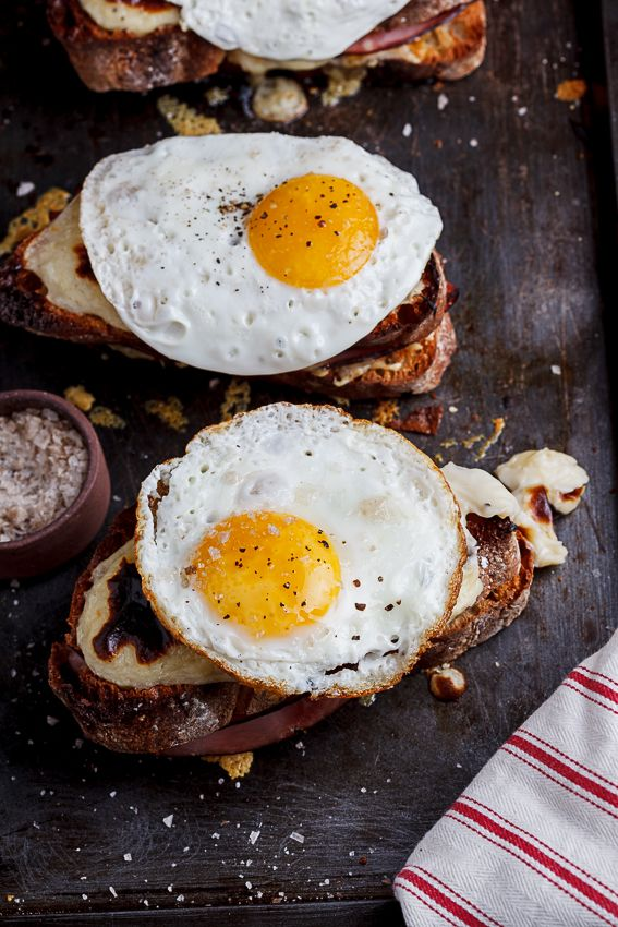 The ultimate ham and cheese sandwich with creamy bechamel sauce and a soft egg. Simply delicious.