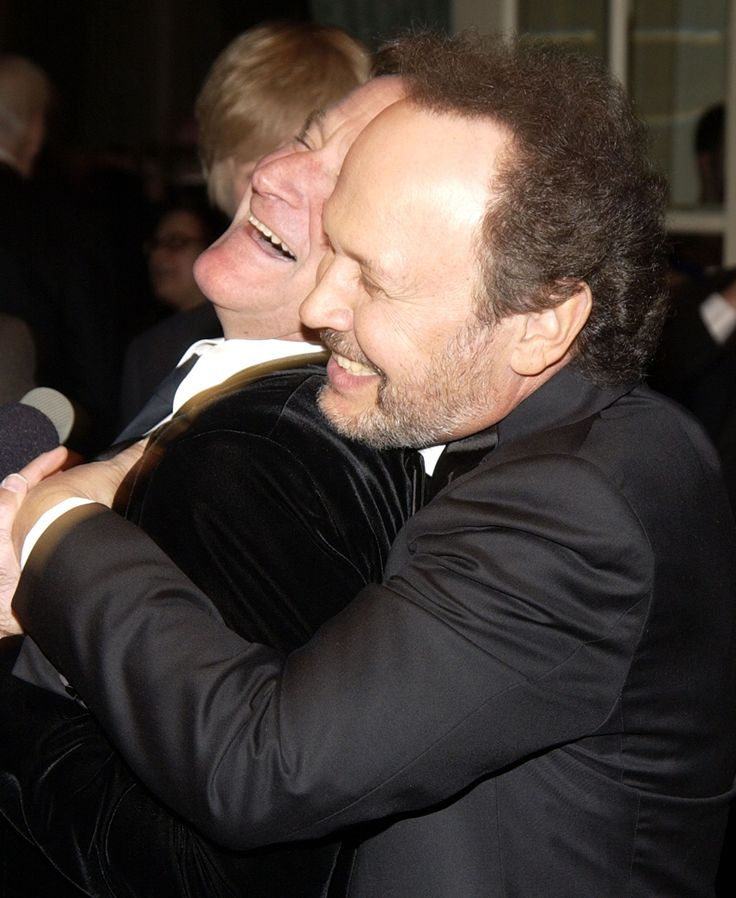 33 Photos Of Robin Williams And Billy Crystal's Three-Decade Friendship