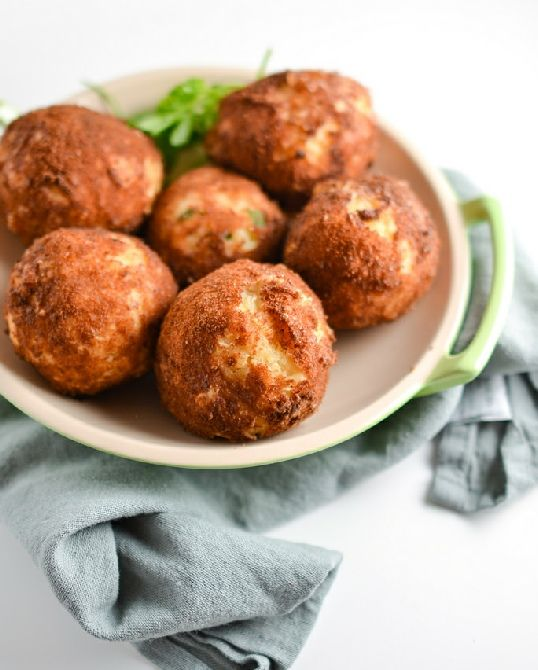 Low FODMAP Recipe and Gluten Free Recipe - Arancini with tomato and olive tapenade http://www.ibssano.com/low_fodmap_recipe_aranci_tomato_olive_tapenade.html