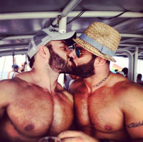 RAGAZZI GAY BRESCIA GAY TORINO ANNUNCI