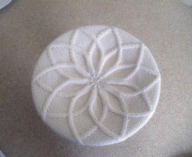 Pretty hat free knitting pattern.
