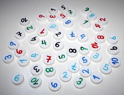 Juegos con tapones  http://reciclandoenlaescuela.blogspot.com.es/2012/10/118-baraja-de-tapones.html