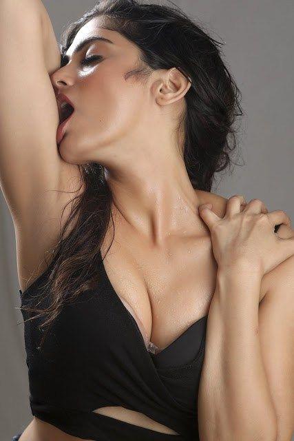 Naina Ganguly Hot Images