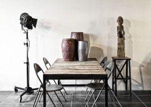 metaal warm hout metalen stoelen authetieke verlichting theaterlampen oude cinemaspots