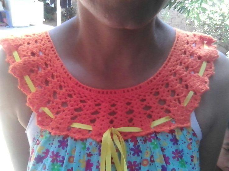 Cuello en corchet ovalado