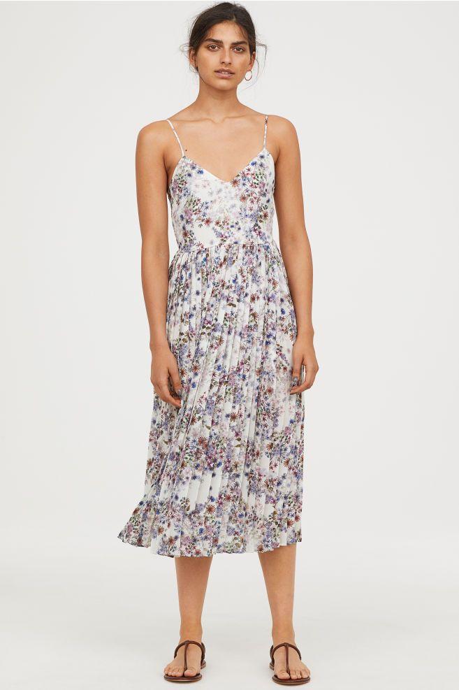 73a17a89e2ac Plisserad klänning | Pasteller-karameller | Dresses, Calf length ...