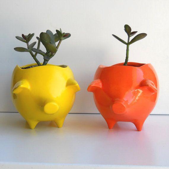 Etsy shop: fruitflypiePlants Can, Little Gardens, Decor Planters, Piggies Banks, Flower Pots, Chilis Peppers, Vintage Design, Pigs Planters, Ceramics Pigs