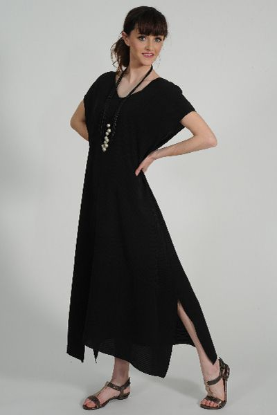 Pintuck silk dress, Carme Anglada necklace, Identity leather sandal