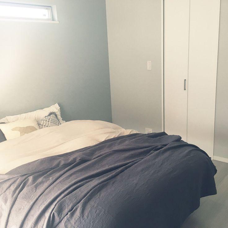 Bedroom/寝室/無印ベッド/スリット窓/フランフラン クッションカバーのインテリア実例 - 2017-01-05 05:02:51
