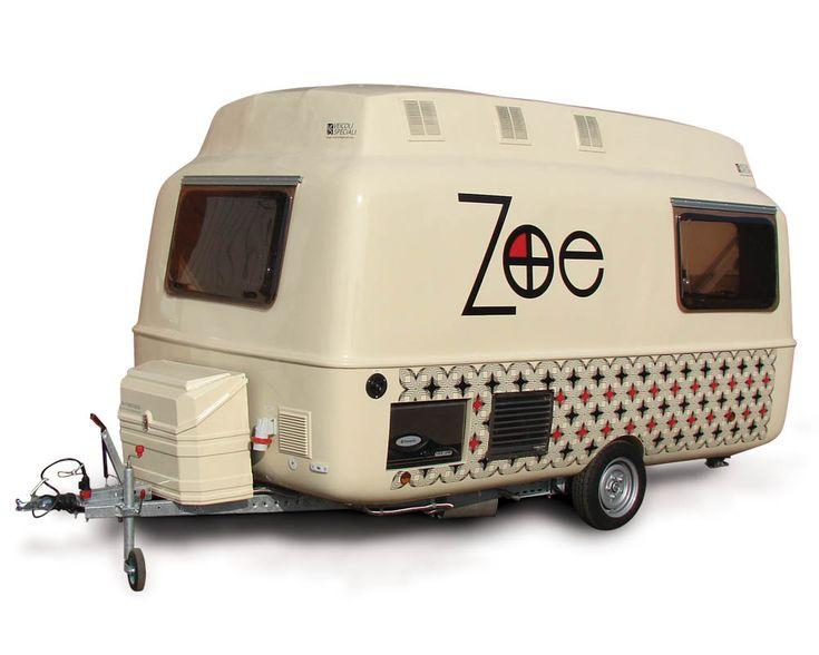 Roulotte trasformata in Rimorchio Food Truck per vendita ambulante di specialità piemontesi, vino e birra artigianali. Autonegozi rimorchi per street food >