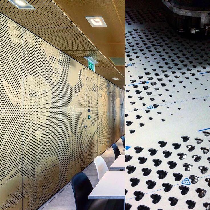 Inspiração do dia : McDonald's / Rotterdam Holanda . Lindos painéis que receberam perfurações a laser em forma de coração  através do seu efeito ótico dos diversos graus de perfuração  os painéis representa uma multidão de pessoas . Revestimento elegante e a prova de possíveis vandalismo . #guerrametais #inox #acoinox #inspiracaododia #arquitetura #lasercut by guerrametais