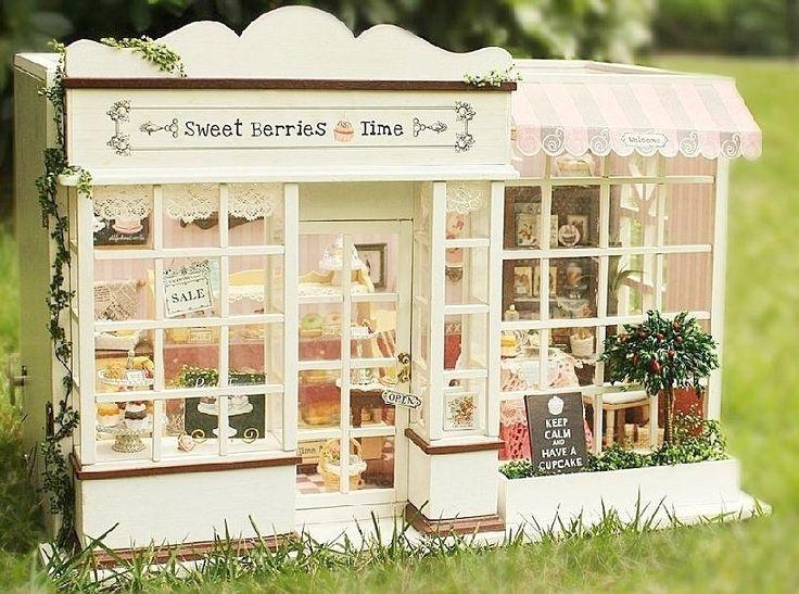 Dollhouse Miniature DIY Kit w/ Light Cake Store Bakery Bread Shop Sweet Berries