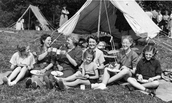 'GIRL GUIDE CAMP AT BLACKLANDS FARM' 1950s (UK)
