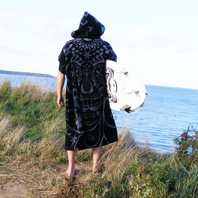 FOLKSY 'Cover Up' surf changing towel Jumbo Men's £31.99