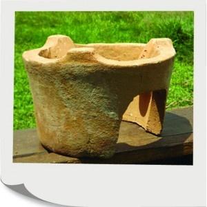 Hlinená piecka je uzatvorená a má menšie úniky tepla. Preto spotrebuje dvakrát menej dreva.  Piecka na varenie  6,00 €