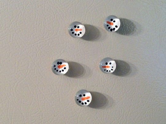 Snowman marble magnets. MUST. MAKE. THESE. NOW. given my thing for snowmen. Adorable!!