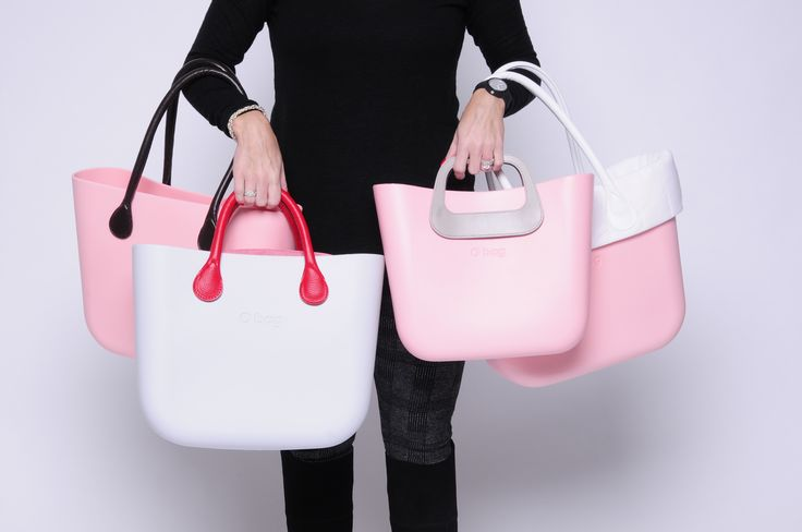 Left Side: 1) Powder Pink O Bag OBDY06 + Long Brown Eco Leather Handles OBHF12 2) Snow O Bag OBDY52 + Long Red Eco Leather Handles OBHF08 Right side: 1) Powder Pink O Bag Mini OBMB06 + Oblo Natural Handles OBMBHO01 2) Powder Pink Mini OBMB06 + White Quilt Trim OBMTQ03 + Long White Eco Leather Handles OBHF14