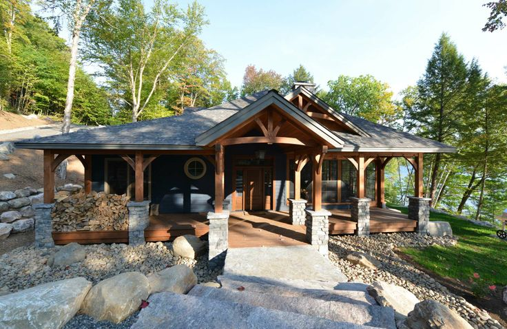 Muskoka Cottage Canadian Timber Frames