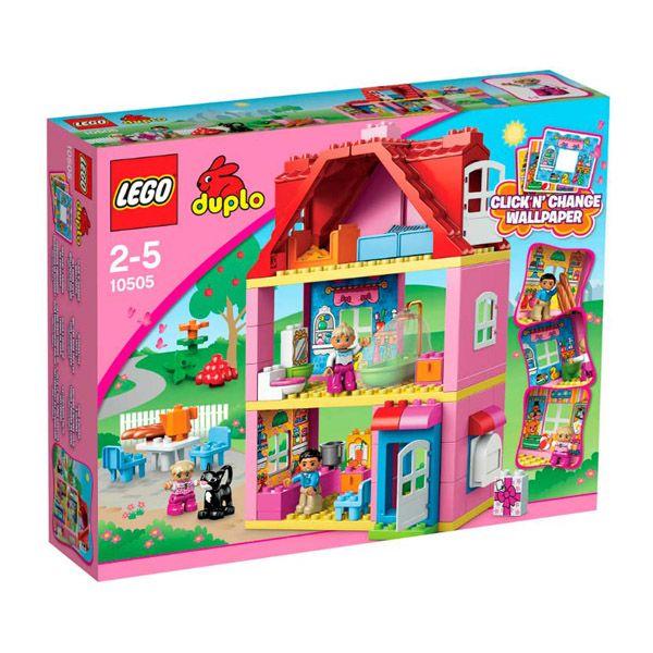 Lego Duplo - La Casa de Juegos;  Construye una increíble casa 3 plantas con 3 figuras y un gato. Diseñada para las más pequeñas, cuenta con una detallada cocina, baño y un bonito dormitorio con su propio balcón. Incluye 3 figuras LEGO DUPLO: mamá, papá y niña... En  http://www.opirata.com/lego-duplo-casa-juegos-p-25863.html