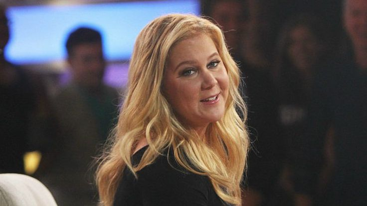Amy Schumer Thinks You Are ?Disgusting? For Expecting Her To Leave The Country Like She Promised