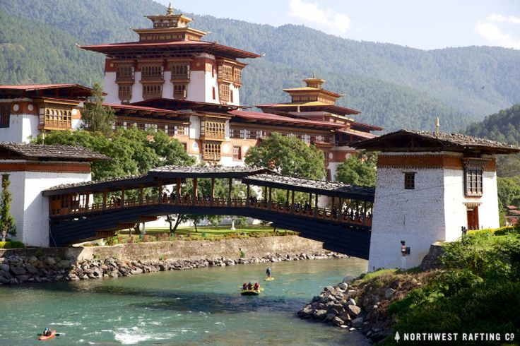 Rafting by the Punakha Dzong in Bhutan