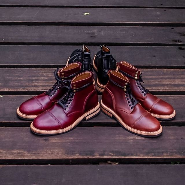""""""" We put the tone of eclipse in our boots to celebrate the Sun's Eclipse today in Indonesia """" In frame : Chevalier Captoe Boots Series Price 1850k -2100k idr  Let's join our campaign phase #2 The rule is very easy and simple, like our photos as much as possible and tag 1 of your friend in every photo you've liked. The lucky ones will get special product from us.  #chevalier #horween #chromexcel  #handmade #craft #shoes #vsco #leatherboots #usbootsfreak  #leathershoes #dailyessentials"""
