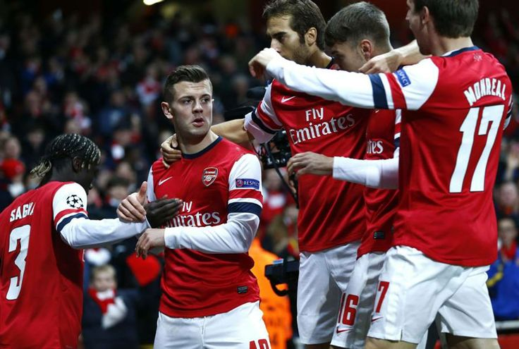 Team Congratulates Wilshere vs Marseille 2013-2014.