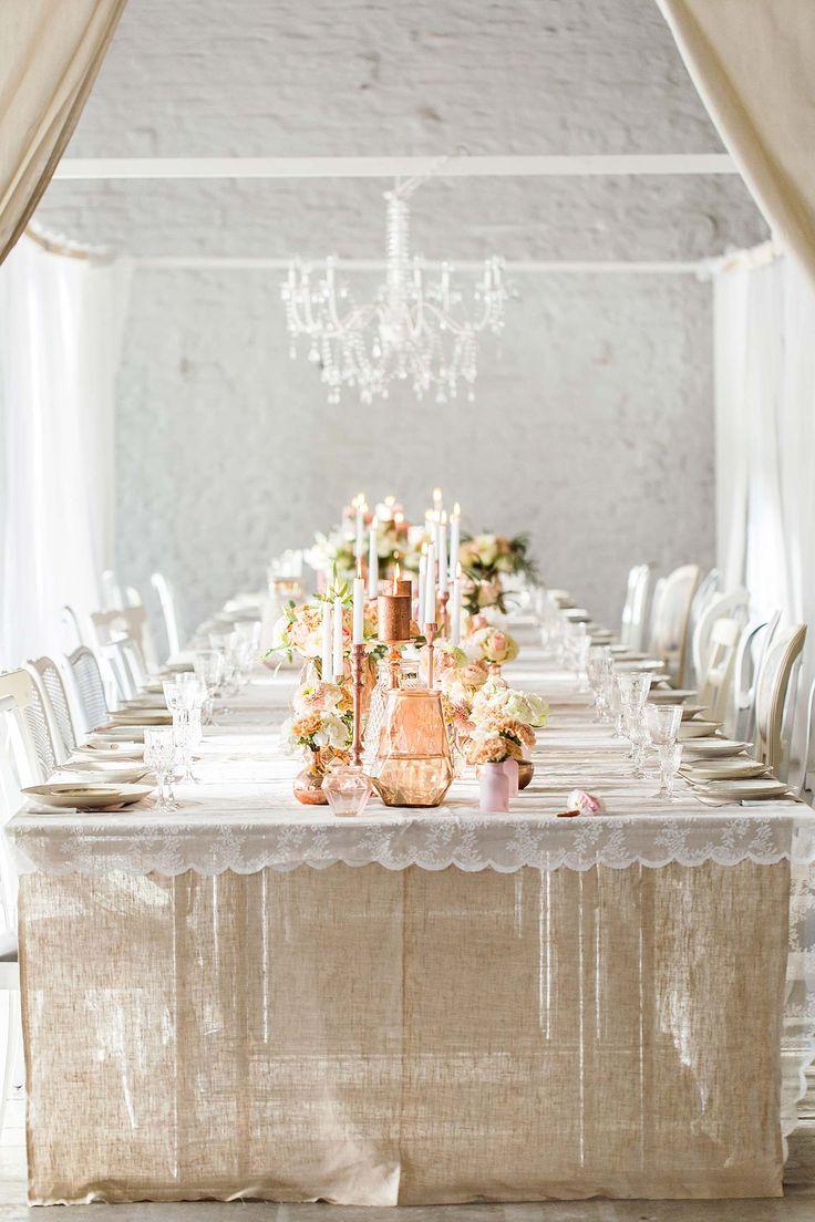 Die Hochzeitsmesse Vintage Wedding verzaubert Brautpaare ELENA ENGELS http://www.hochzeitswahn.de/inspirationsideen/die-hochzeitsmesse-vintage-wedding-verzaubert-brautpaare/ #vintage #wedding #table