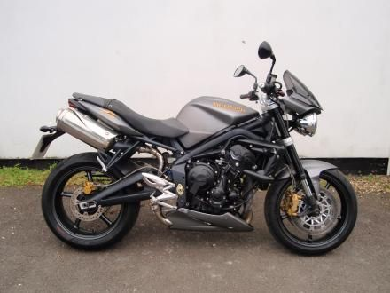 Images of Used Triumph Street Triple  2011 (11) For sale