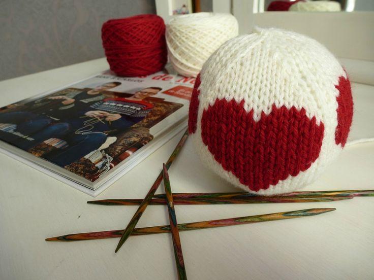 boule de noel tricot tricot crochet pinterest. Black Bedroom Furniture Sets. Home Design Ideas