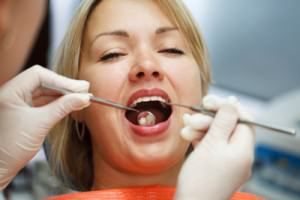 Silver Fillings vs #tooth #colored #fillings http://dental.remmont.com/silver-fillings-vs-tooth-colored-fillings-2/  #tooth colored fillings # By Brookside Smiles | Published December 11, 2013 When a dentist drills out the decayed part of a tooth, the resulting hole needs to be filled with something or the decay will recur. There is a wide variety of materials dentists use to fill teeth. and each one has its own […]