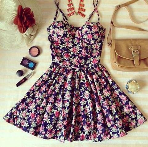 Precioso Vestido Floreado - Moda