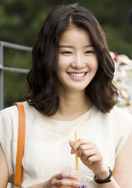 Lee Si-young (이시영)