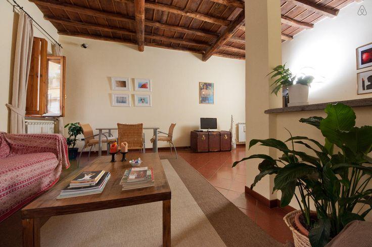 Dai un'occhiata a questo fantastico annuncio su Airbnb: NAVONA VICOLODELFICO15 HOMEHOLIDAY  a Roma