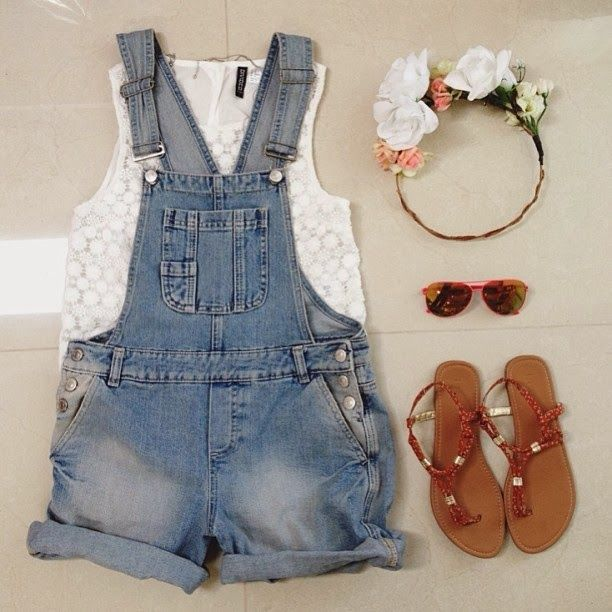 I'm so happy overalls are back! I used to wear them all the time as a kid.
