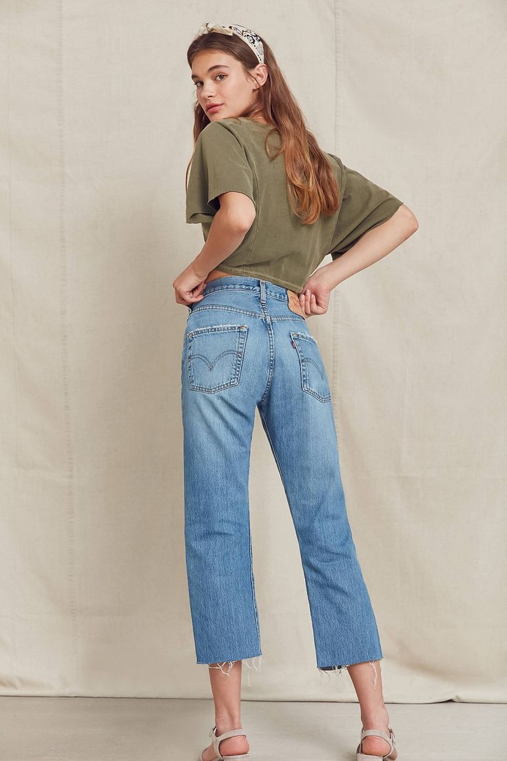 Urban Renewal Recycled Frayed Cropped Levi's Jean | Urban Outfitters