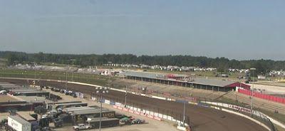 NASCAR Race Mom: NASCAR Racing in the Dirt Today.