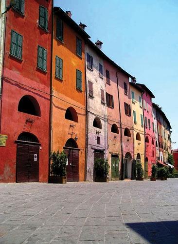 """Brisighella, Italy, the ancient """"way for donkeys"""""""