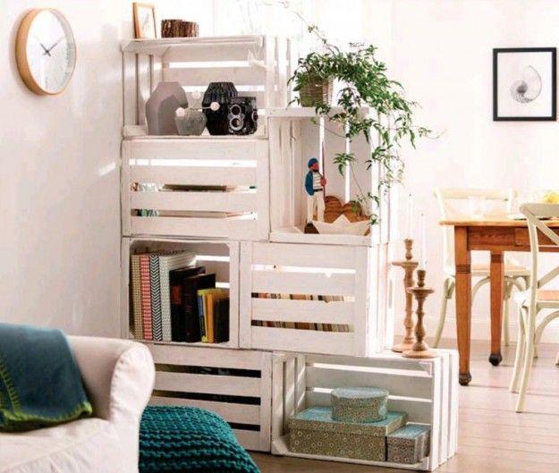 Libreria con cassette della frutta - Arredare casa con le cassette delle frutta in legno.