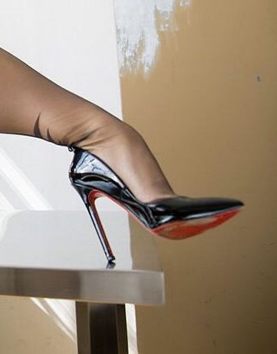Black pumps & black pantyhose #beautifulHighHeels #Black