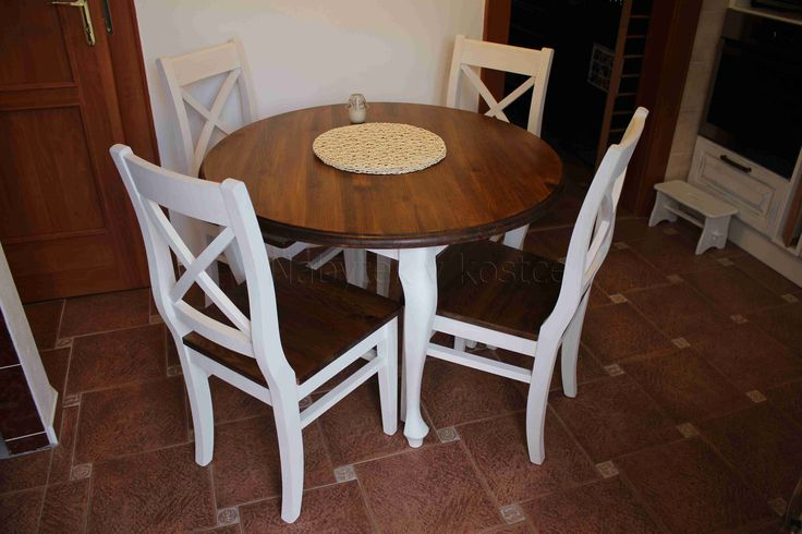 Kulatý bílý stůl Sweet Home