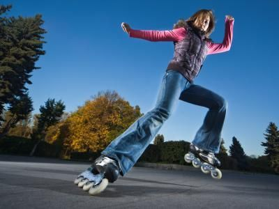 Tips on Learning How to Rollerblade | LIVESTRONG.COM
