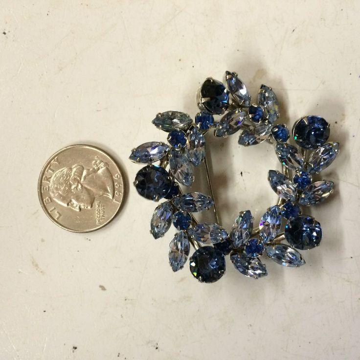 vintage  1950 two ton blue crystal rhinestone 2  dia signed Sherman brooch