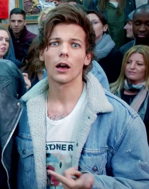 "The entire perfection that is this face and hair and neck and chest. | The 36 Greatest Moments From One Direction's ""Midnight Memories"" Video"