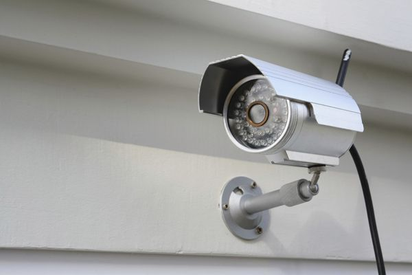 Nowadays, most of the reports in newspapers is more about home burglaries even though most of them have installed security systems. The agencies of law enforcement are promoting the benefits of home security system but still it cannot stop burglaries.