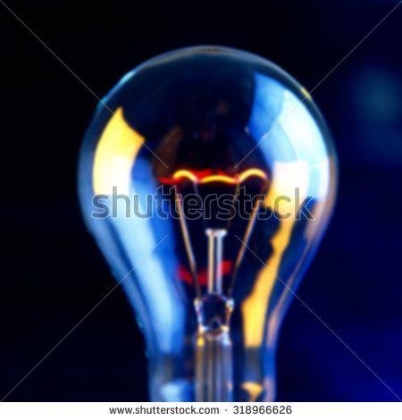 размытый фон включены лампы накаливания и отражение - фото