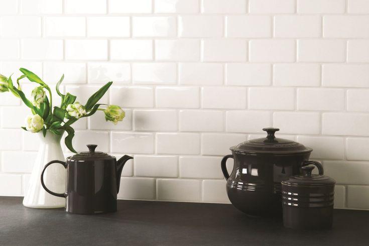 Med hvide Paris vægfliser kan du skabe et drømmekøkken der er langt mere end blot end sted at lave mad. Det er et rum, hvor der er kælet for hver detalje og der er tanke bag alle elementer.