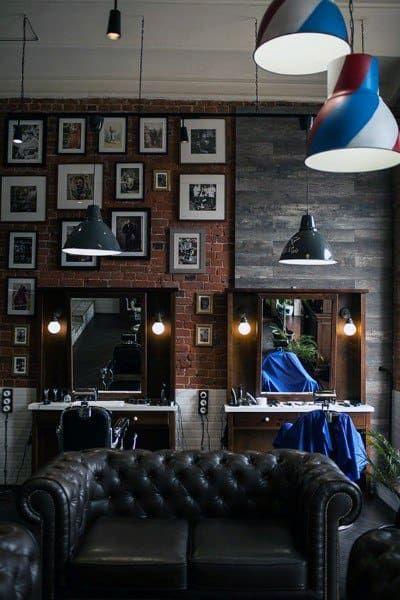 Modern Barber Shop, Best Barber Shop, Barber Shop Interior, Barber Shop Decor, Salon Interior Design, Interior Decorating, Classic Barber Shop, Interior Bohemio, Barber Shop Chairs