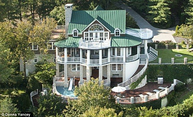 alan jackson puts his tennessee mansion on the market for
