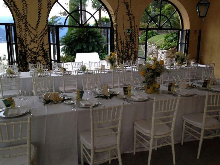 Natural setting with yellow roses, white flowers and lemons  #lakecomoweddingsandevents #yellow #theme #Wedding #VillaBalbianello #